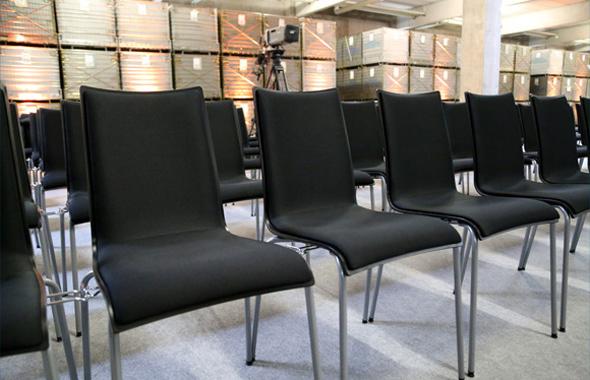 Reihung mit Arcitonic Stuhl