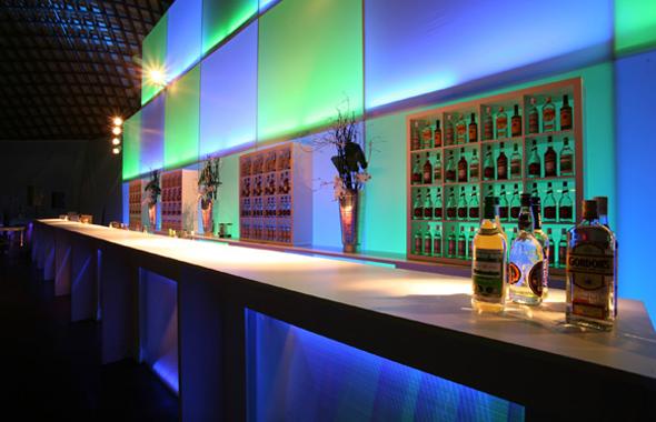 Licht und Schatten – Bars, Buffet & Empfang Hafenwerk