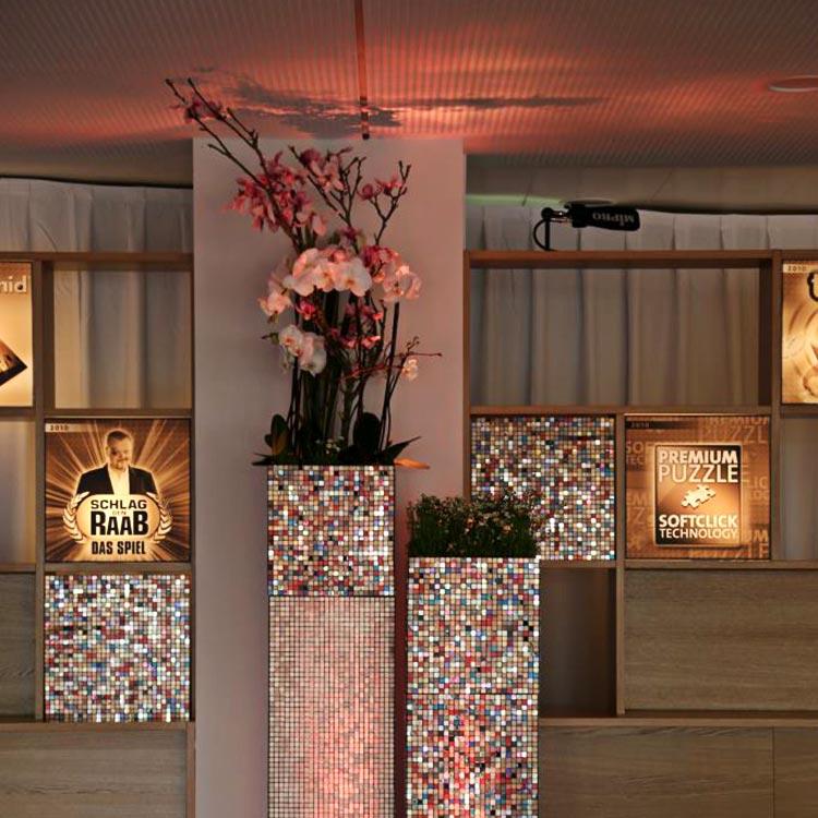 Bunte Mosaik Säule – Floristik Dekoration Hafenwerk