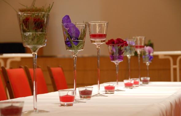 Eleganz im Glas – Tischdekoration Hafenwerk