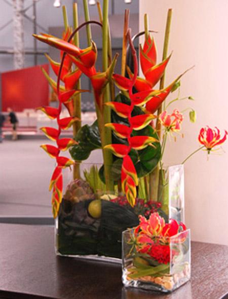 Exotische Blüten und Gräser – Buffet Dekoration Hafenwerk
