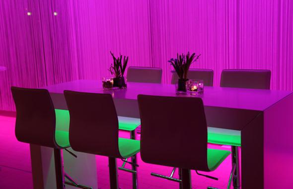 Fadenvorhang, Licht und Floristik – Raumdekoration Hafenwerk