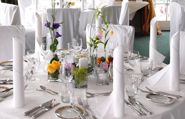 Hochzeit mit frischen Farben – Tischdekoration Hafenwerk