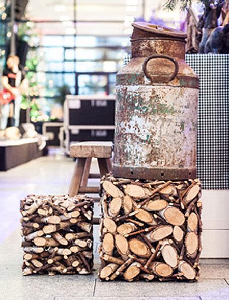 Holz und Milchkanne