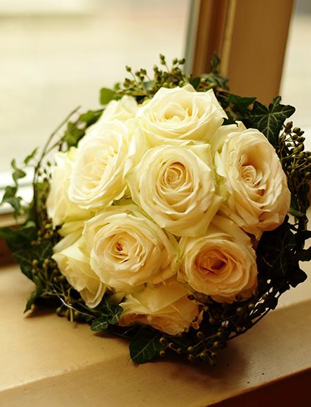 Rosen in klassischer Bindung
