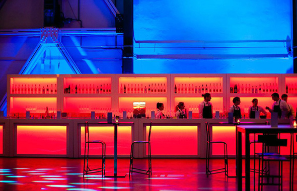 Lange Bar HighFly – Bars, Buffet & Empfang Hafenwerk