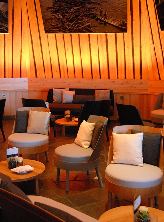 Bessy Lounge mit harmonischen Details