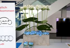 Schwung und Grazie - Automotive –Buffet Dekoration Hafenwerk