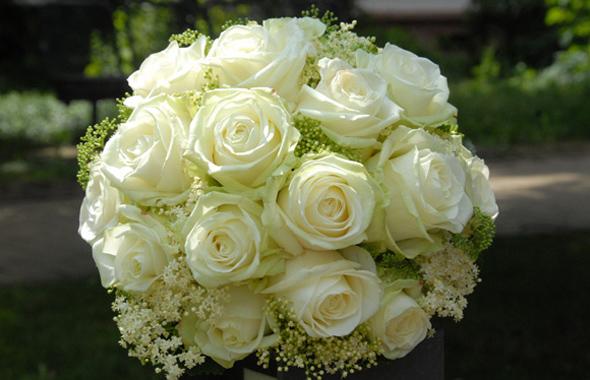 Wunderschöner Strauß Rosen – Bindearbeiten Floristik Hafenwerk