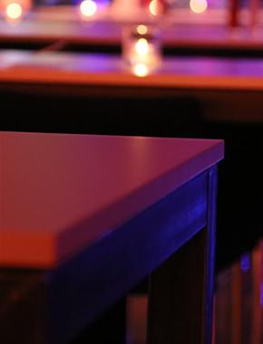 Steel Tische mit brauner Tischplatte Hafenwerk