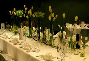 Tanzende Tulpen – Tischdekoration Hafenwerk