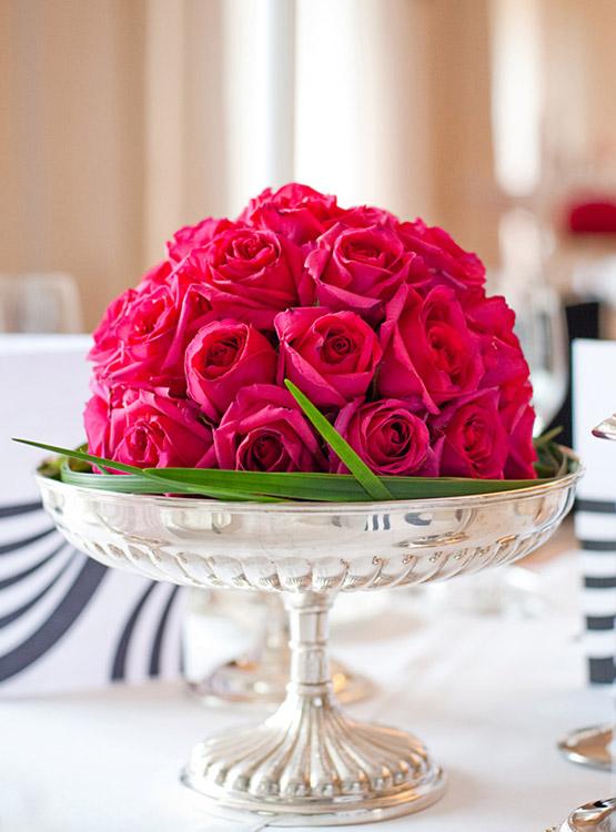 Exquisite Blütenkugel von Künstlerhand