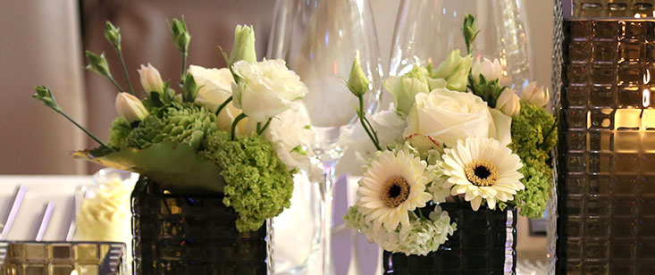Floristik, elegante Tischdekoration