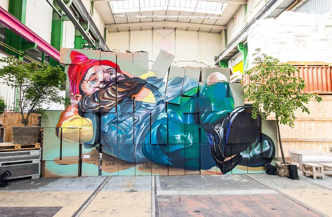 Graffiti-Wandbild auf einem Raumteiler