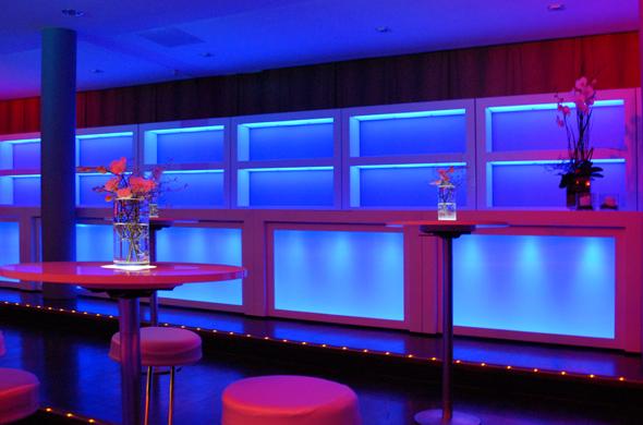 HighFly Bar mit Rückwand