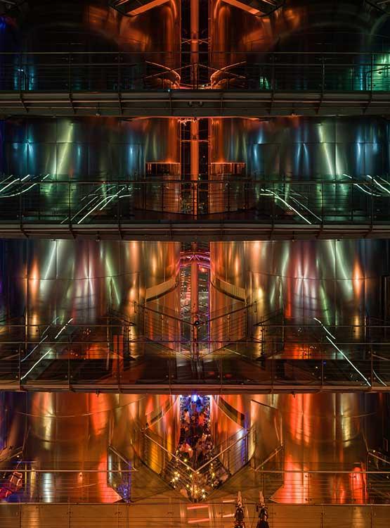 Lichtstimmung im hohen Gebäude